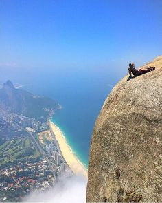 Would you dare? ☀ Pedra da Gávea, Rio de Janeiro, Brazil Photo by: Brazil Travel Guide Wonderful Places, Beautiful Places, Beautiful Pictures, Beautiful Live, Places Around The World, Around The Worlds, Destination Voyage, Best Vacations, Wonders Of The World