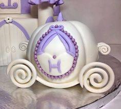 Princess carriage birthday smash cake
