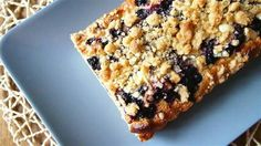 Blueberry-white chocolate crumblepie.
