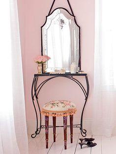 Pretty in Sami's room