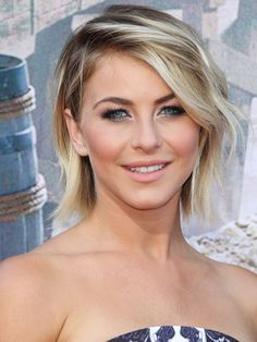 Famous Actress,Dancer Julianne Hough From Rock Of Ages Haven Movies Wearing Her Silver Smoky Eye.