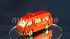 TOMICA 119 HIACE FIRE CHIEF CAR | 1/66 | JAPAN | 119B-4 | EARLY WINDOW SHAPE