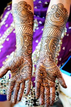 Mehndi Maharani 2013 Finalist: Henna Craze http://maharaniweddings.com/gallery/photo/13910