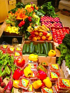CO-OP OVERLOAD!!! Check out this Rawfully Organic Co-op bounty baby!!! Just back, and I am unloading...