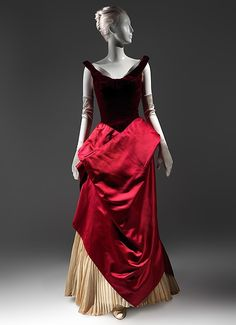 """The Genius of Charles James,"" October Metropolitan Museum of Art, The Costume Institute. ""Charles James: Beyond Fashion,"" May 2014 Charles James, 1900s Fashion, Costume Collection, Costume Institute, Different Fabrics, Vintage Outfits, Vintage Clothing, Fashion History, Ball Gowns"