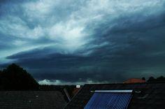 06.08.2012 - Kaltfrontdurchgang inkl. Superzelle (Orkanböen, Wolkenbruch) @ Vitis (NÖ)
