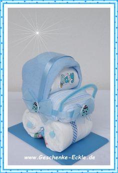 Mini Kinderwägelchen, aus nur 4 Windeln und 2 Baby Waschlappen gefertigt. Originelles Mitbringsel für wenig Geld. 9,50€ www.Geschenke-Eckle.de