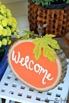 20 Naturally Beautiful Ways to Decorate With Wood Slices Greet your guests this fall by placing this adorable pumpkin tree stump on your front porch. Get the tutorial at View From the Fridge. Pumpkin Tree, Diy Pumpkin, Pumpkin Crafts, Fall Crafts, Diy Crafts, Holiday Crafts, Pumpkin Ideas, Pumpkin Signs, Pumpkin Candles