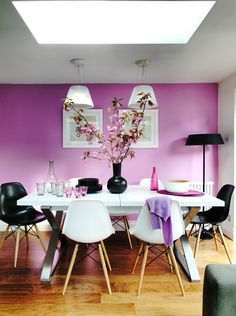 Exquisite dining room with purple walls offers a stunning backdrop for the Romeo Moon pendants [Design: Juliette Byrne] Pink Dining Rooms, Dining Room Wall Decor, Dining Room Design, Dining Room Chairs, Dining Room Furniture, Room Decor, Dining Table, Dining Area, Sico