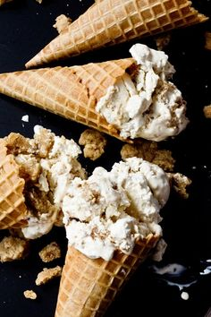 New York Crumb Cake Ice Cream - huge chunks of crumb topping in the ice cream!