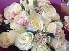 Mini carns and mondial roses