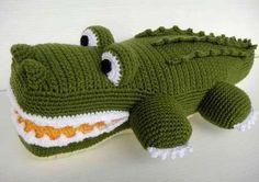 Crochet on Etsy: Crochet Cupcake Coin Purse and cute crochet patterns Crochet Basics, Knit Or Crochet, Cute Crochet, Crochet For Kids, Crochet Crafts, Crochet Dolls, Yarn Crafts, Ravelry Crochet, Crocheted Toys