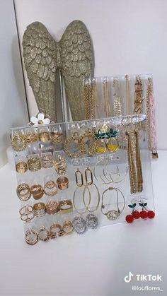 Diy Gifts For Girlfriend, Diy Gifts For Mom, Diy Gifts For Friends, Dollar Tree Decor, Dollar Tree Crafts, Dollar Tree Finds, Diy Crafts For Home Decor, Decor Diy, Diy Jewelry Wall