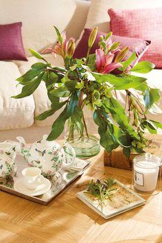 My inner landscape Floral Arrangements, Glass Vase, Table Decorations, Landscape, Flowers, Home Decor, White Peonies, White Hydrangeas, Green Leaves