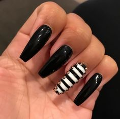 """If you're unfamiliar with nail trends and you hear the words """"coffin nails,"""" what comes to mind? It's not nails with coffins drawn on them. Although, that would be a cute look for Halloween. It's long nails with a square tip, and the look has. Sexy Nails, Glam Nails, Dark Nails, Hot Nails, Nails On Fleek, Beauty Nails, Dark Color Nails, Fabulous Nails, Gorgeous Nails"""