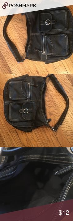 Rosetti handbag purse very nice great shape This is a great bag over the shoulder it over the head please take a look at my closet bundle and save thanks for looking Rosetti Bags