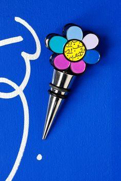 FLOWER bottle stopper $18 Pop Art Design, Art Designs, Kitchen Stuff, Kitchen Gadgets, Tadanori Yokoo, Sculpture Art, Sculptures, Neo Pop, Flower Bottle