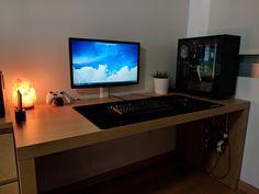 My setup. No fancy RBG lights here.