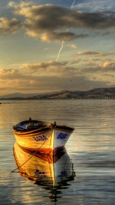You are in the right place about Boats quotes Here we offer you the most beautiful pictures about the river Boats you are looking for. When you examine the Quelle Seascape Paintings, Landscape Paintings, Beautiful Paintings, Beautiful Landscapes, Boat Art, Old Boats, Boat Painting, Am Meer, Wooden Boats