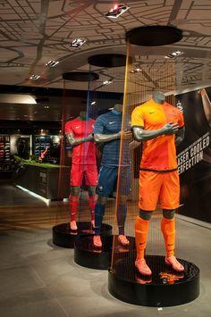 Nike | FuelBand by Millington Associates | #retail #VM #visualmerchandising