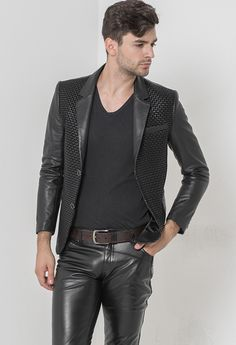 All you need is leather : Photo More