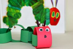 Adorable and easy caterpillar craft for kids! A simple book inspired activity for preschoolers. Read The Very Hungry Caterpillar and make this craft today!