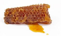 Propolis Is An Amazing Powerful Healer For Your Skin - Herbal Musings Health Benefits Of Cherries, Health Benefits Of Almonds, Honey Benefits, Fruit Benefits, Raw Honey, Honey Bees, Candida Albicans, Deo Bio, Immune System