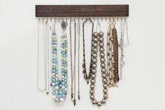 madera manchada marrón y oro (latón) o plata (níquel) colgante organizador y estante de exhibición del collar
