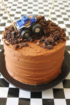 15 Simple Kids Birthday Cakes You Can Make At Home