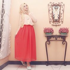 Hijab style by indah nada puspita Muslim Fashion, Modest Fashion, Hijab Fashion, Women's Fashion, Pink Outfits, Modest Outfits, Fashion Corner, Beautiful Hijab, Hijab Outfit