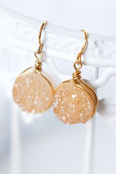 Our ALL TIME BEST SELLING EARRINGS! Champagne druzy gemstone drops wrapped in gold filled wire. Made in Maryland by studio artist Alison Jefferies of J'Adorn Designs. Bridesmaid Jewelry, Bridesmaid Gifts, Wedding Jewelry, Winter Wardrobe, Summer Wardrobe, Custom Jewelry, Vintage Jewelry, Hippie Bride, Modern Groom