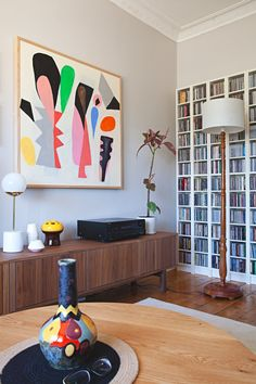 A gorgeous, graphic australian home apartment therapy apartment therapy, fu Interior Design Boards, Contemporary Interior Design, Appartement Design, Interior Decorating Styles, European Home Decor, Australian Homes, Traditional Decor, Home And Deco, Interior Exterior