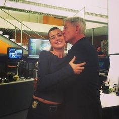 Cote de Pablo and Mark Harmon on the set of NCIS. #NCIS #Ziva #Gibbs