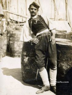Corfu old photos-worker in the port Corfu Island, Corfu Greece, Greece Travel, Old Photos, Past, Greek, Memories, People, Old Pictures