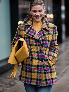 Kicking off 2018 in style its the Scandi crew at Copenhagen Fashion Week. Here are the best street style looks from the Danish city. Tartan Fashion, Look Fashion, Winter Fashion, City Fashion, Copenhagen Street Style, Copenhagen Fashion Week, London Street, Chic Outfits, Trendy Outfits