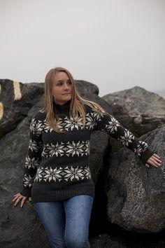 Dess: 191-59 koks - Smuk faconsyet Islandsk Sweater med raglanærmer i kraftig 3gage strik af 100% ren ny uld fra NORWOOL