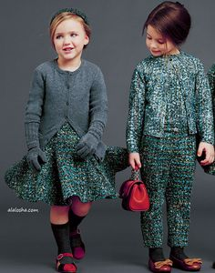 Owls, squirrels, birds and more, zoom in on Dolce & Gabbana's Italian reverie. The Dolce & Gabbana kids are ready to face the winter in gr. Childrens Wardrobes, Kids Fashion, Winter Fashion, Dolce And Gabbana Kids, Baby Blog, Stylish Baby, Kid Styles, Baby Sweaters, Kids Wear