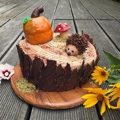 """Gefällt 29 Mal, 4 Kommentare - @baking_girl_14 auf Instagram: """"Happy Autumn!  So langsam merkt man, dass der Herbst immer näher rückt. Die Tage werden kürzer…"""" Home Bakery, Cupcakes, Cake Decorating, Desserts, Slovenia, Muffins, Food, Instagram, Cake Ideas"""