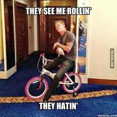 I can't stop laughing. James Hetfield -- and STILL more metal than some I know. Metallica Quotes, Metallica Funny, Metallica Art, James Hetfield, Metal Meme, Wattpad, Music Memes, Band Memes, Thrash Metal