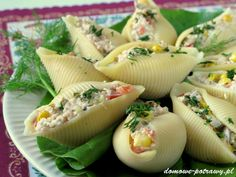 Pasta shells stuffed with tuna Appetizer Salads, Appetizers, Food Porn, Party Snacks, Quick Easy Meals, Finger Foods, Tapas, Food And Drink, Cooking Recipes