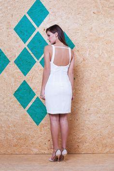 Vestido Crepe detalhe Guipure VVE 199 #mundoErreErre #lookbook #verao2015 www.erreerre.com.br