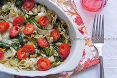Para mudarmos a salada de escarola vamos preparar ela no forno. Uma saudável sugestão para acompanhamento de carnes no dia a dia, muito prático e gostoso. Leia mais...