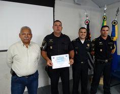 GCM José Paulo Nogueira recebe o título de 'Destaque do Ano de 2016' -   Na última terça-feira, dia 20, em uma solenidade interna, a Guarda Civil Municipal realizou a homenagem ao GCM José Paulo Nogueira, que recebeu o título de 'Destaque do Ano de 2016'.  Dentre as várias ocorrências importantes que participou no Grupo de Ações Preventivas Especiais (GAPE), - http://acontecebotucatu.com.br/policia/gcm-jose-paulo-nogueira-recebe-o-titulo-de-destaqu