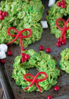 12 easy Christmas cookie recipes that the entire family will enjoy!