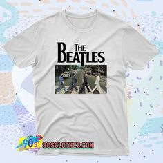 The Beatles Abbey Road T Shirt Style to wear every day in any situation to be always fashionable. With this T-shirt design will make you more retro-style. 90s Shirts, Tour T Shirts, Abbey Road, Contemporary Fashion, Streetwear Fashion, The Beatles, Retro Fashion, Shirt Style, Shirt Designs