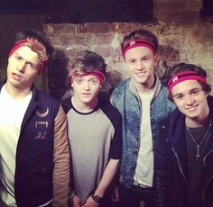 How cute are they! The Vamps Bradley Simpson, Meet The Vamps, Evan And Connor, Somebody To You, Will Simpson, My Future Boyfriend, British Boys, T Rex, Cool Bands