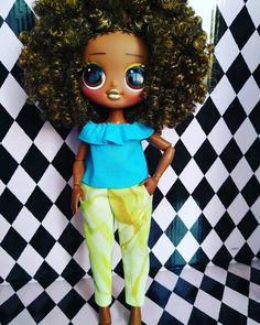 Kids Roller Skates, Aesthetic Food, Custom Dolls, Cartoon Characters, Ronald Mcdonald, Bee, Room, Clothes, Baby Dolls