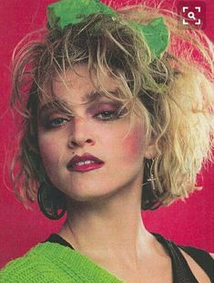 Hair Band Quiz We've all rocked this iconic look. Madonna, we salute you!We've all rocked this iconic look. Madonna, we salute you! Look 80s, 80s Party Outfits, 80s Party Costumes, Costume Ideas, 1980s Costume, 80s Hair Bands, 80s Prom, 80s Dress, Vintage Beauty