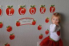 Apple party decor ideas.  #fallbirthday #apples