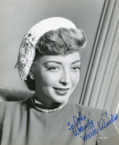 MARIE WINDSOR. Classic Movie Stars, Classic Films, Old Hollywood Glamour, Hollywood Stars, Marie Windsor, Look Magazine, Age, Pin Up Girls, American Actress